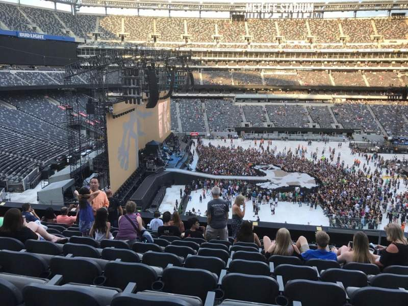 MetLife Stadium, section: 241, row: 10, seat: 5