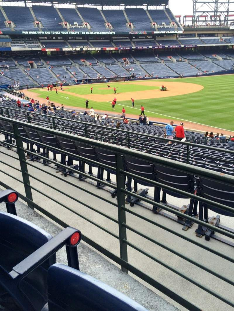 Seating view for Turner Field Section 225 Row 2 Seat 105