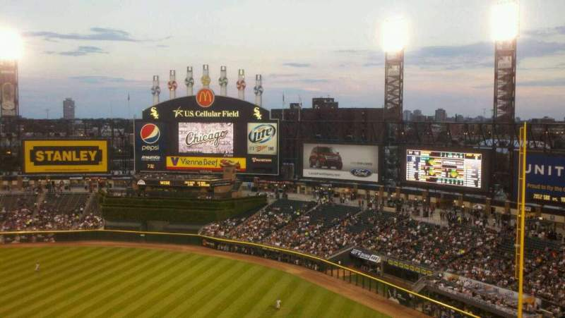 Seating view for Guaranteed Rate Field Section 522 Row 9 Seat 17