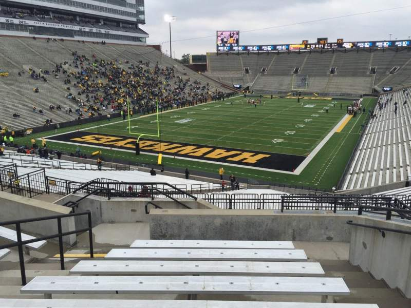 Seating view for Kinnick Stadium Section 213 Row 10 Seat 8