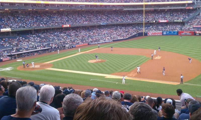 Seating view for Yankee Stadium Section 214b Row 12 Seat 1