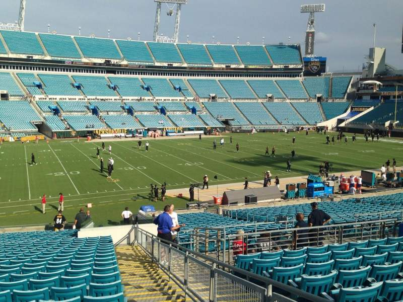 Seating view for EverBank Field Section 113 Row Ee Seat 1