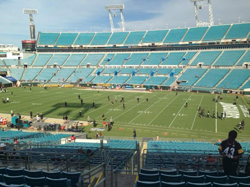 Seating view for EverBank Field Section 205 Row J Seat 22