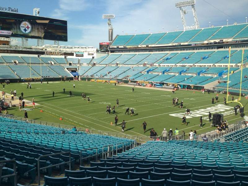 Seating view for EverBank Field Section 102 Row FF Seat 17