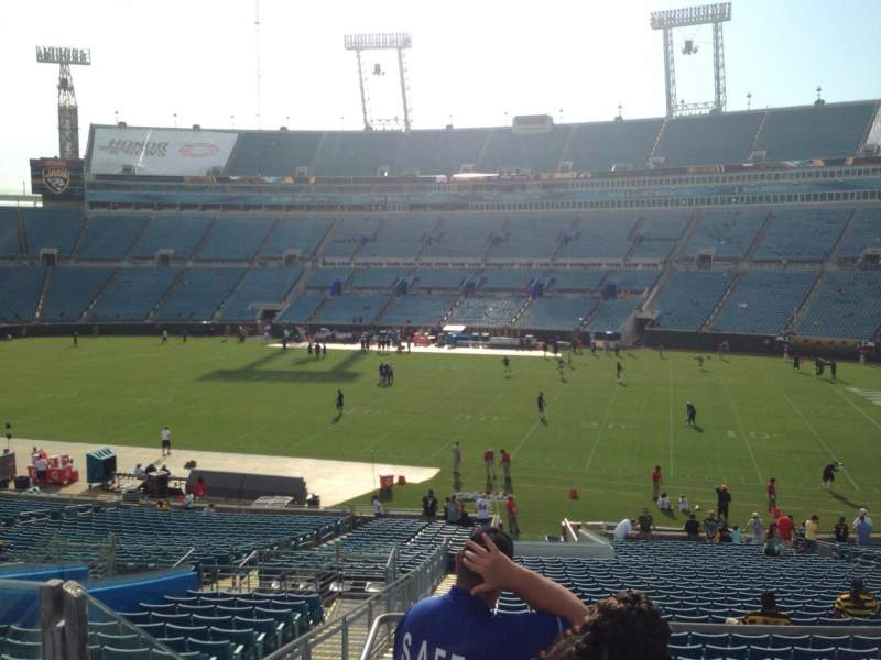 Seating view for EverBank Field Section 233 Row B Seat 25
