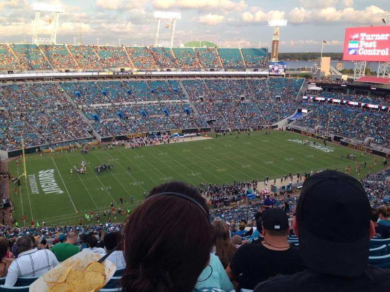 Seating view for EverBank Field Section 414 Row V Seat 19