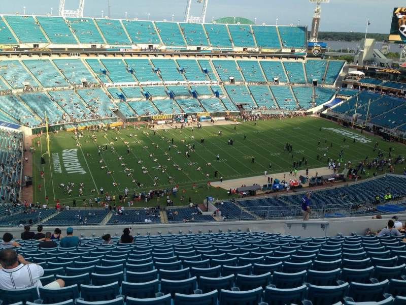 Seating view for EverBank Field Section 414 Row V Seat 18