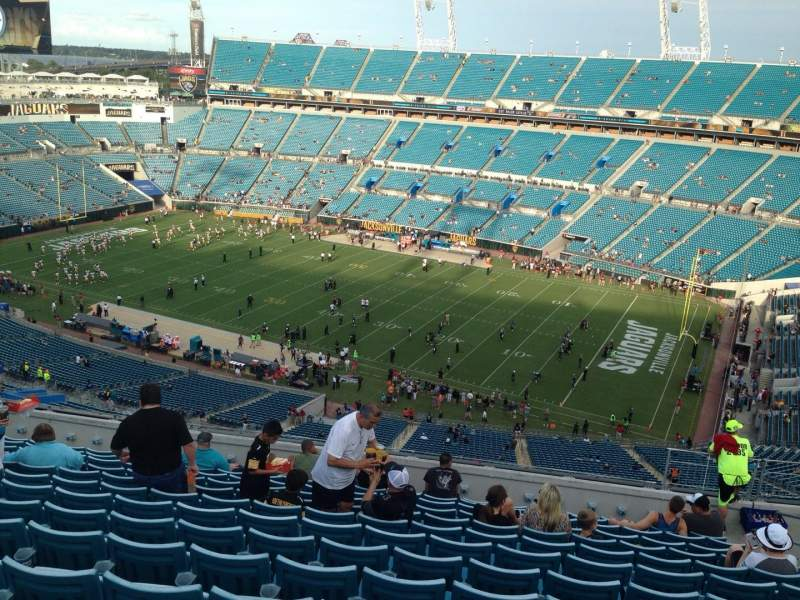 Seating view for EverBank Field Section 405 Row P Seat 7