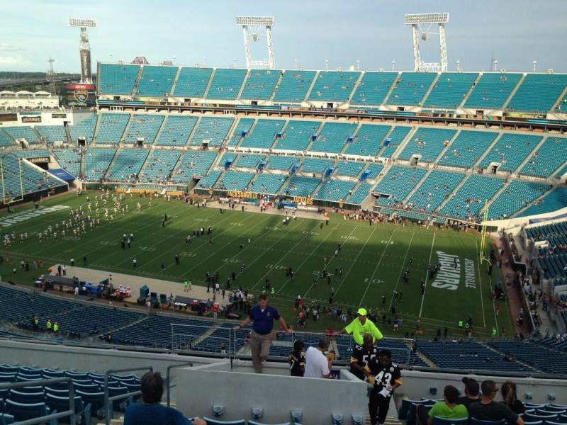 Seating view for EverBank Field Section 405 Row p Seat 33
