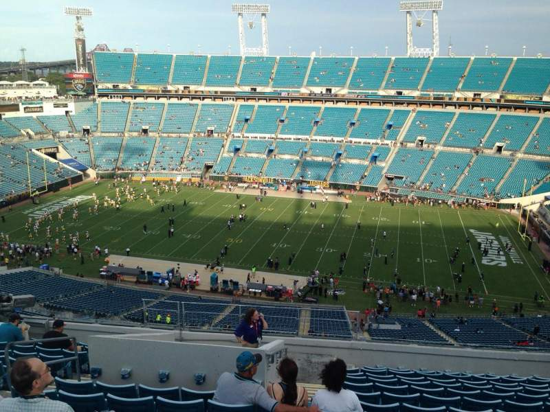 Seating view for EverBank Field Section 408 Row P Seat 31