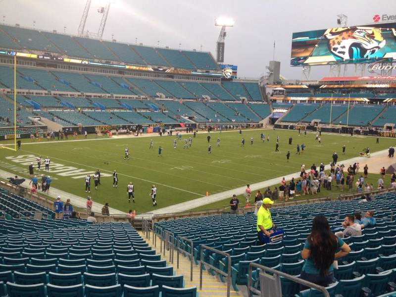 Seating view for EverBank Field Section 118 Row CC Seat 3