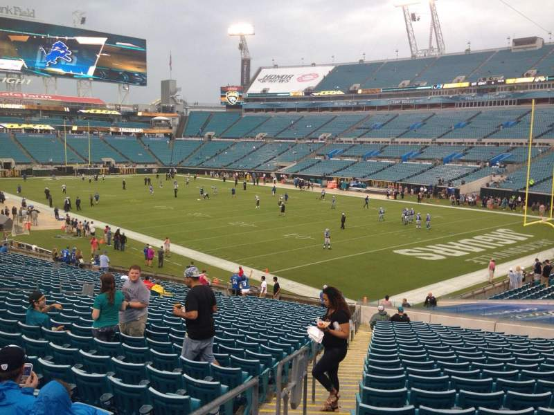 Seating view for EverBank Field Section 128 Row EE Seat 19