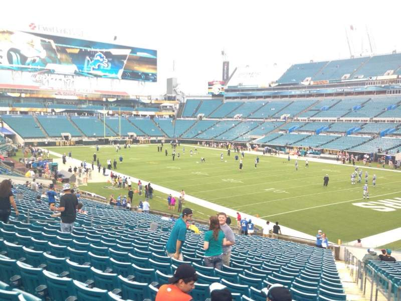 Seating view for EverBank Field Section 130 Row EE Seat 1