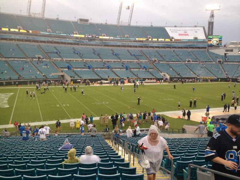 Seating view for EverBank Field Section 141 Row EE Seat 3