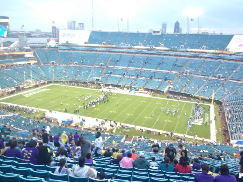 Seating view for EverBank Field Section 433 Row DD Seat 6