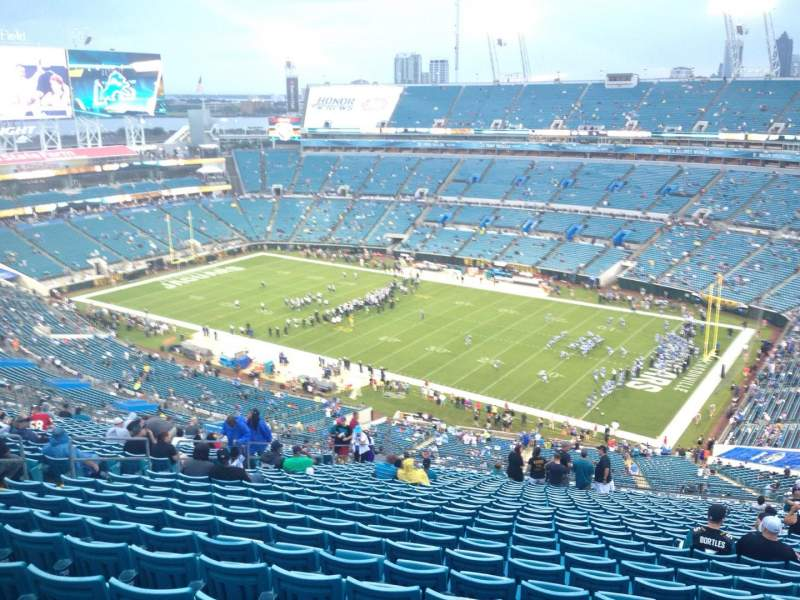 Seating view for EverBank Field Section 432 Row EE Seat 16