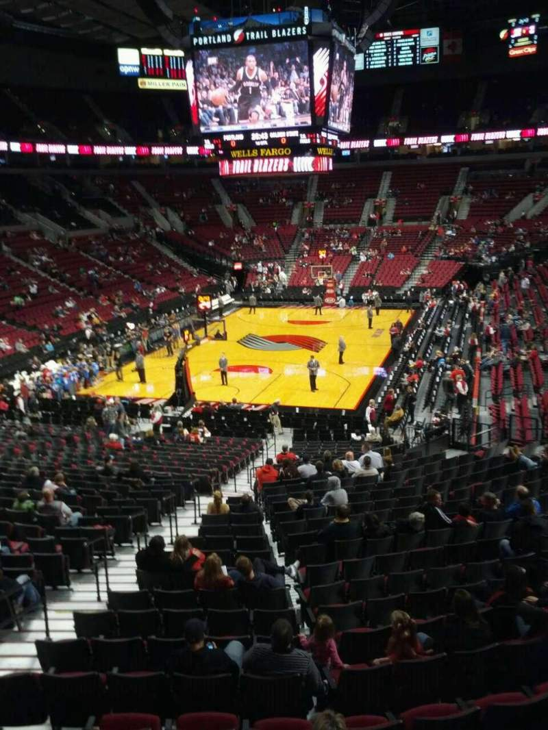 Seating view for Moda Center Section 222 Row g Seat 9