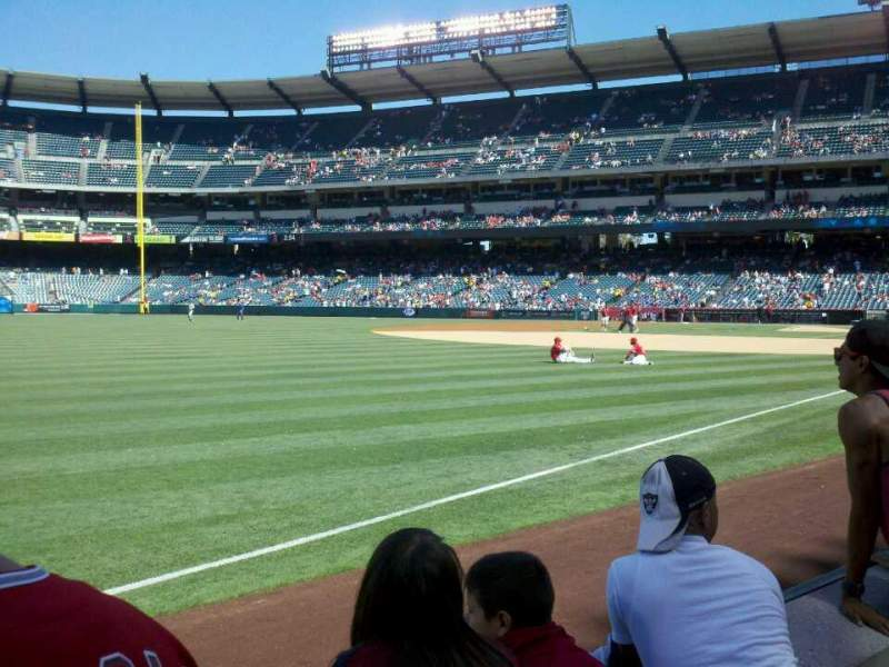 Seating view for Angel Stadium Section F106 Row B Seat 9
