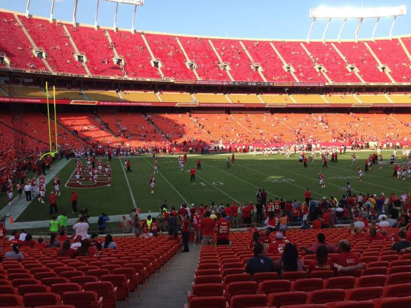 Seating view for Arrowhead Stadium Section 122 Row 25 Seat 26