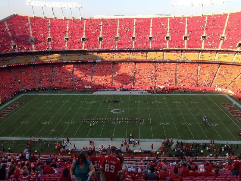 Seating view for Arrowhead Stadium Section 323 Row 31 Seat 24