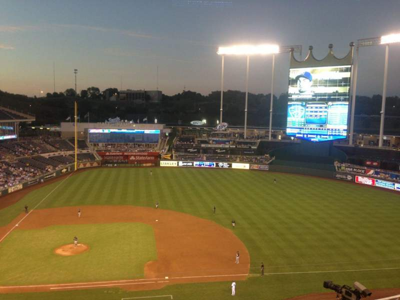 Seating view for Kauffman Stadium Section 428 Row H Seat 8