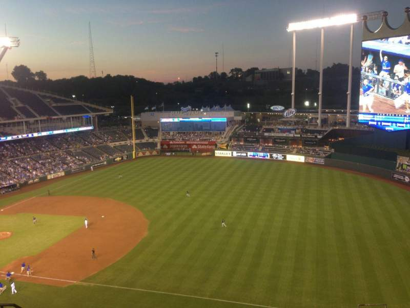 Seating view for Kauffman Stadium Section 435 Row BB Seat 10