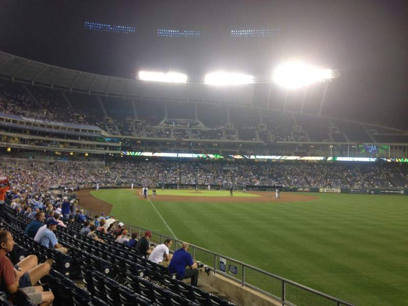 Seating view for Kauffman Stadium Section 147 Row R Seat 14
