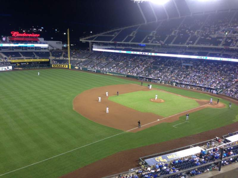 Seating view for Kauffman Stadium Section 405 Row D Seat 8