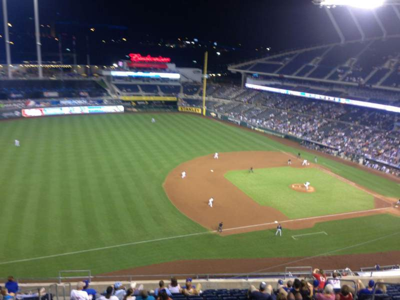 Seating view for Kauffman Stadium Section 407 Row E Seat 8