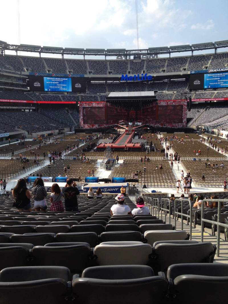 Seating view for MetLife Stadium Section 124 Row 34 Seat 2