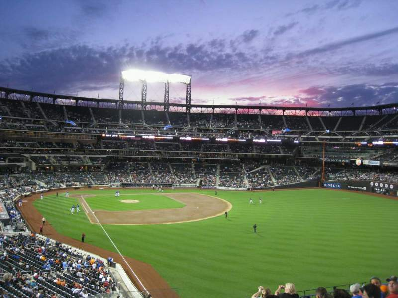 Seating view for Citi Field Section 305 Row 7 Seat 17