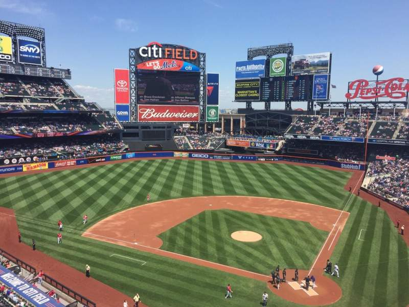 Seating view for Citi Field Section 418 Row 1 Seat 2