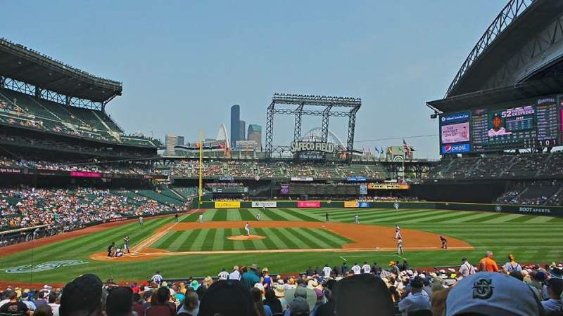 Seating view for Safeco Field Section 124 Row 32 Seat 5