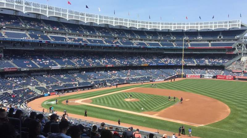 Seating view for Yankee Stadium Section 214a Row 17 Seat 9