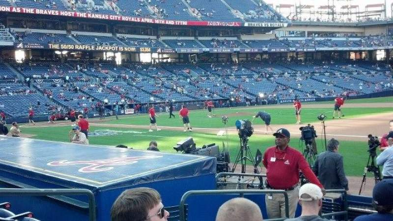 Seating view for Turner Field Section 117R Row 8 Seat 4