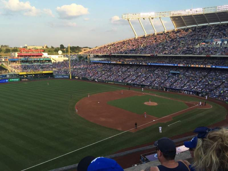 Seating view for Kauffman Stadium Section 405 Row C Seat 5-7