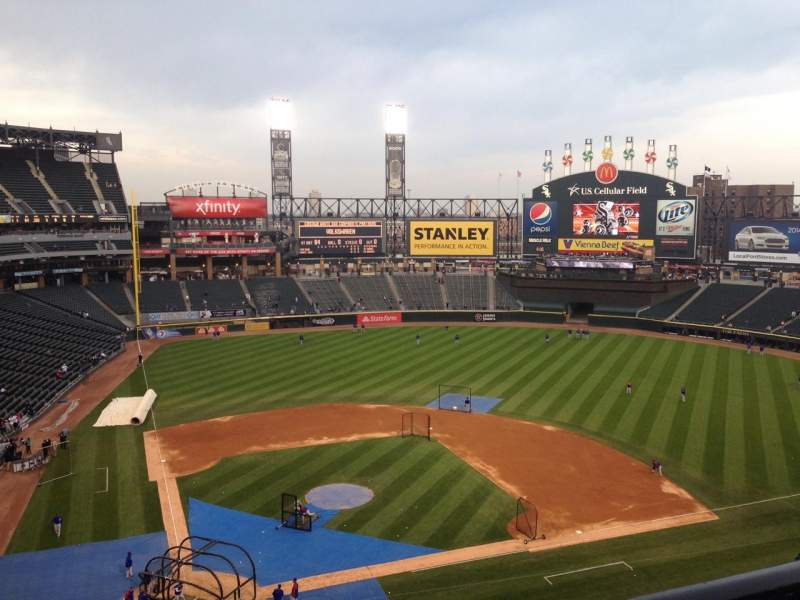 Seating view for Guaranteed Rate Field Section Box 528 Row 1 Seat 3