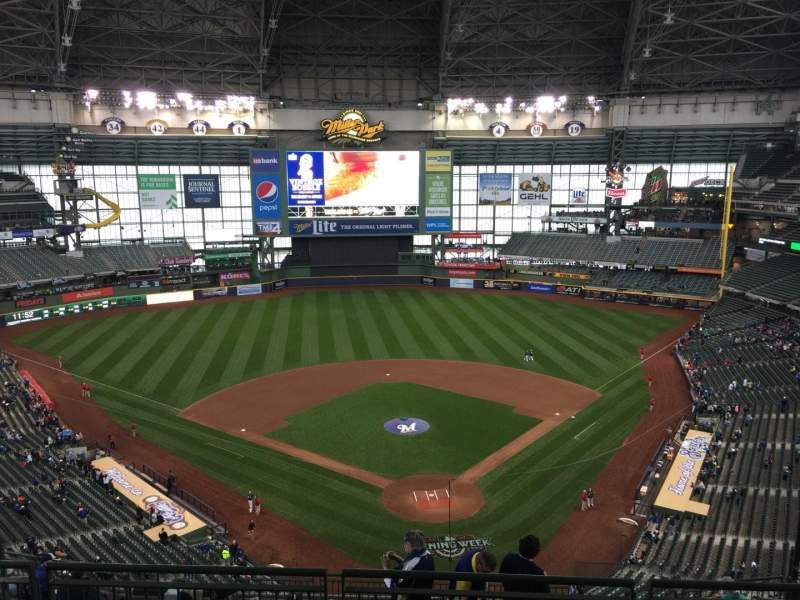Seating view for Miller Park Section 423 Row 12 Seat 9