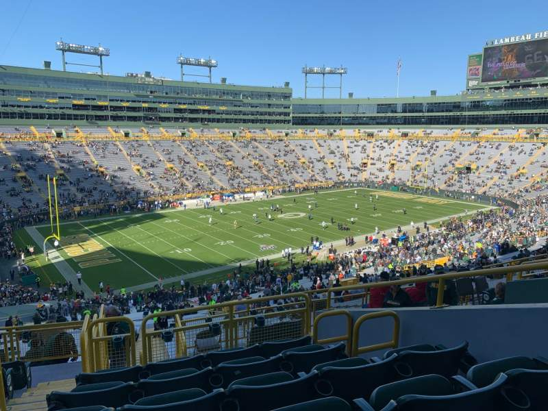 Seating view for Lambeau Field Section 429 Row 9 Seat 22