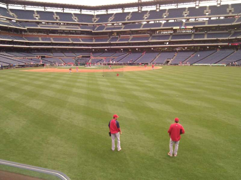 Seating view for Citizens Bank Park Section 101 Row 1 Seat 15