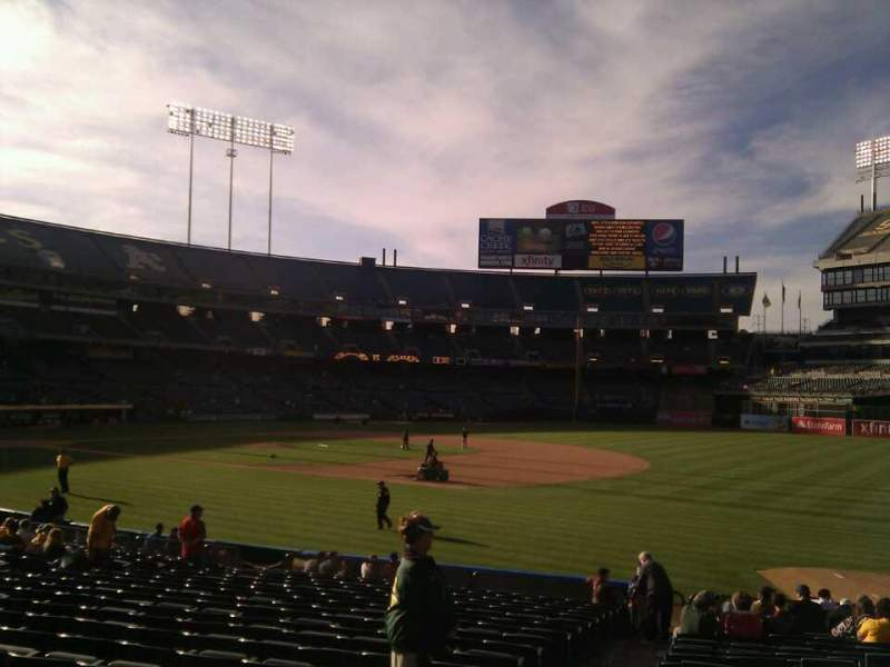 Seating view for Oakland Alameda Coliseum Section 108 Row 20 Seat 17