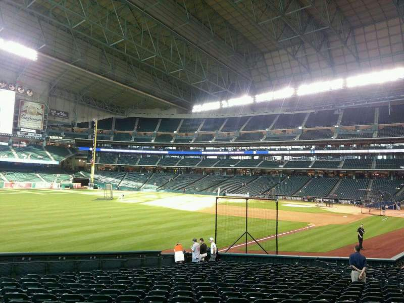 Seating view for Minute Maid Park Section 106 Row 22 Seat 10
