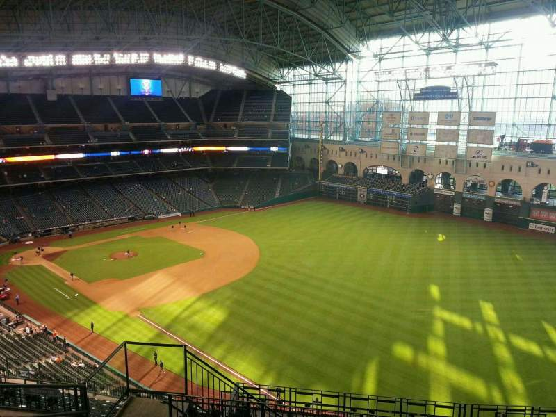 Seating view for Minute Maid Park Section 433 Row 7 Seat 6