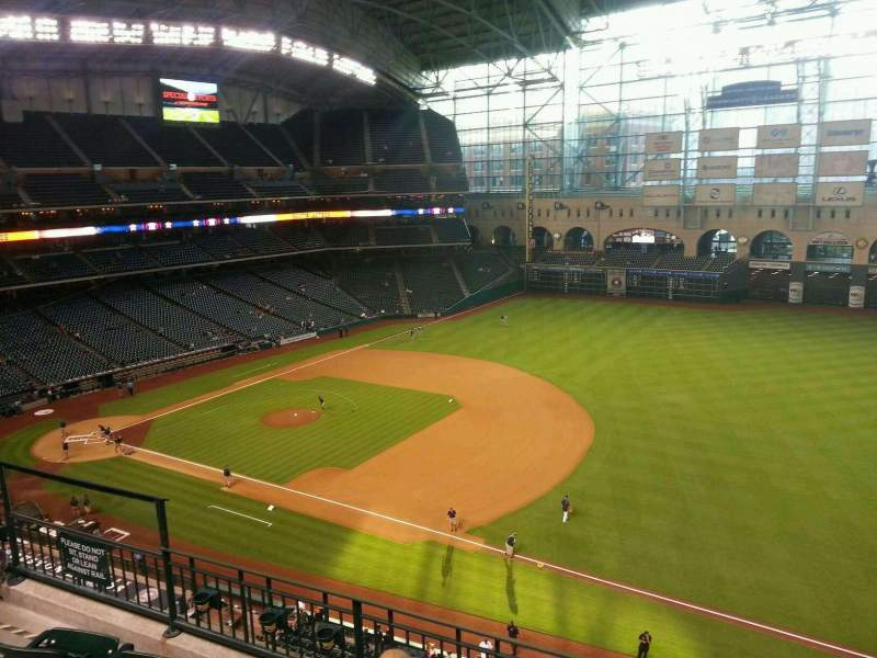Seating view for Minute Maid Park Section 329 Row 4 Seat 8
