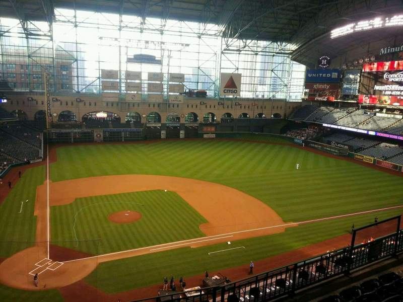 Seating view for Minute Maid Park Section 324 Row 5 Seat 6