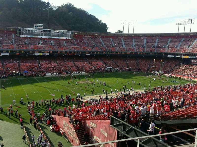 Seating view for Candlestick Park Section 33 Row d Seat 14