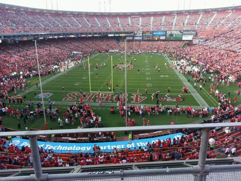Seating view for Candlestick Park Section 11 Row b Seat 8