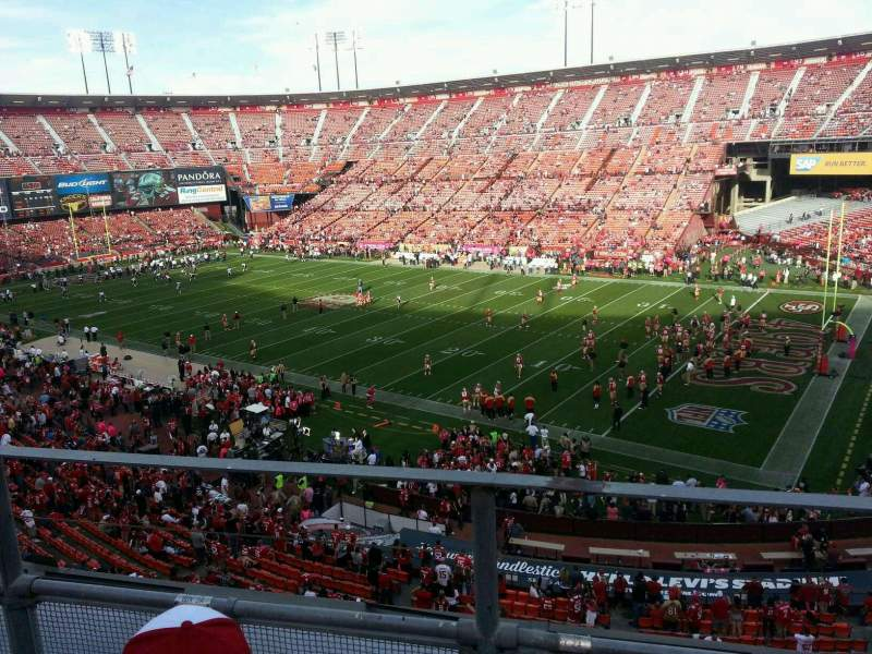 Seating view for Candlestick Park Section 10 Row b Seat 8