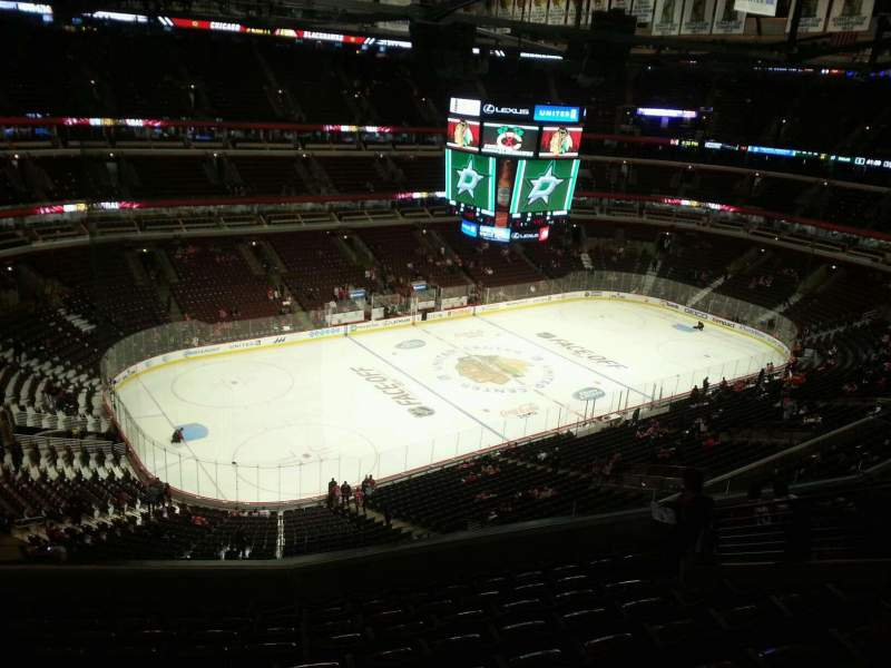 Seating view for United Center Section 321 Row 10 Seat 11
