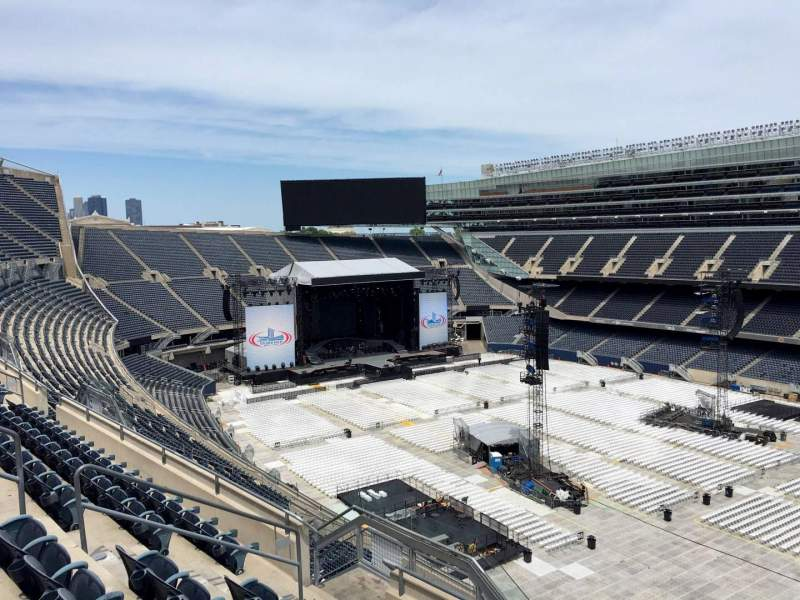 Seating view for Soldier Field Section 432 Row 6 Seat 9